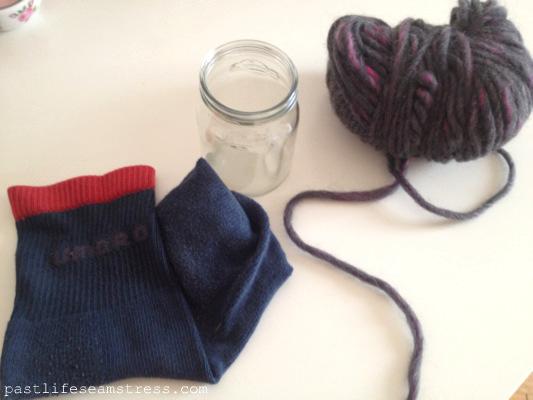 DIY, diy crafts, crafts, handicrafts, handmade penstand, diy holder, creative project, pencil stand, wool spool