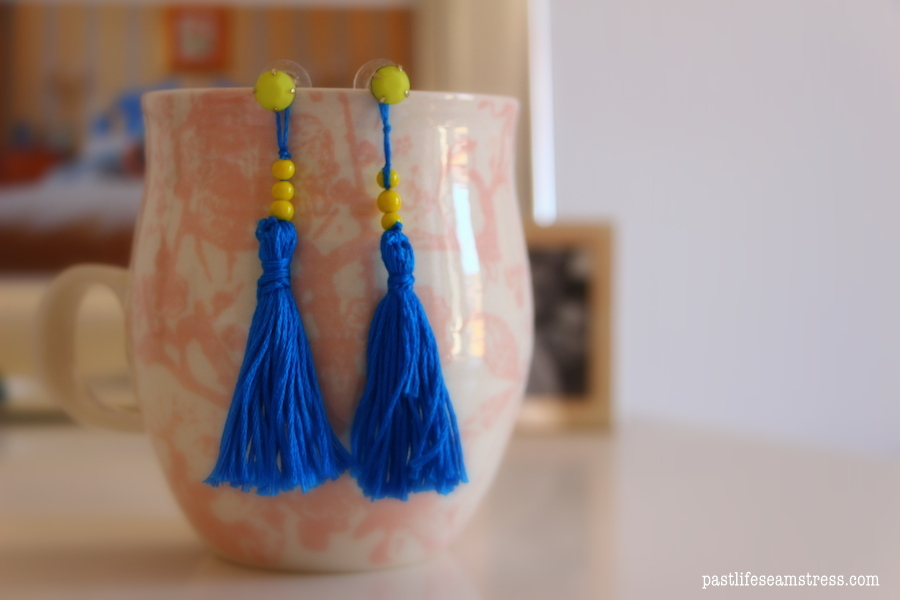 tassel earrings, easy diy, diy tassel earrings, red yarn earrings, handmade earrings, yarn ideas, earring ideas, how to make tassels, how to make tassels at home