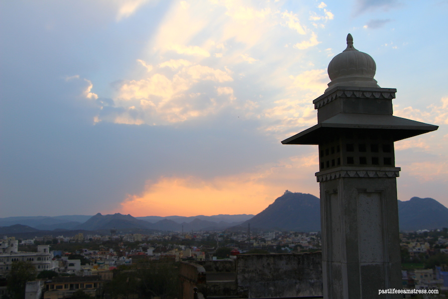 udaipur, rajasthan, road trip to rajasthan, things to do in rajasthan, haveli in udaipur, haveli to stay in rajasthan, sight seeing in udaipur, city palace udaipur, pictures of udaipur, what to do in udaipur, udaipur venice of east, most romantic city in india, madri haveli, shopping in udaipur, sajjangarh palace, a day in udaipur, what to do in a day in udaipur