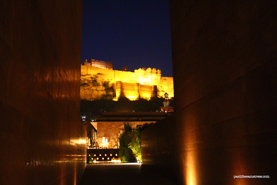 jodhpur, mehrangarh fort, things to do in jodhpur, things to do in rajasthan, rajasthan blog, raas haveli, raas haveli review, jodhpur city, rajasthan road trip, best places to see in india, best places to see in rajasthan, sight seeing in rajasthan, sight seeing in jodhpur, what to do in jodhpur, photography in jodhpur, mehrangrah fort review, jaswant thada, day trip from jodhpur, shopping in jodhpur, umaid bhawan palace, fort in jodhpur, blue city tour, blue city, Baradari restaurant, Darikhana review, mehrangarh fort review, what to see in Jodhpur, where to eat in Jodhpur, highlights of jodhpur, highlights of mehrangarh fort, shopping in mehrangarh, shopping in jodhpur, incredible india
