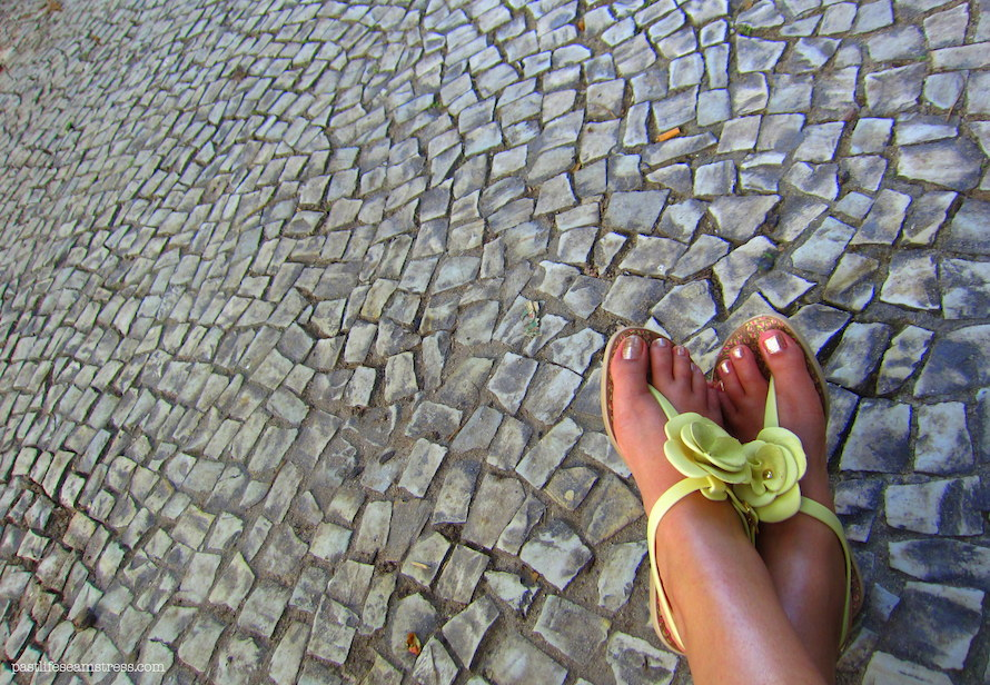 riodejaneiro, riotravelblog, rio de janeiro, brazil, brazil travel blog, things to do in rio, sightseeing in rio, what to do in rio, rio experience, brasil experience, indian traveller in brazil, christ the redeemer, christo redento, sugar loaf mountain, views of rio, shopping in rio, copacabana, ipanema, is it safe to travel in rio, travelling to rio, travelling to brazil, selaron steps, ipanema beach, christo redentor, sugar loaf mountain, how to reach sugar loaf mountain, pao de acucar, view from sugar loaf mountain, guanabara bay, when to go to sugar loaf mountain, metropolitan cathedral of rio, santa teresa,sambadrome, hippie de feria ipanema, ipanema flea market, rio flea market