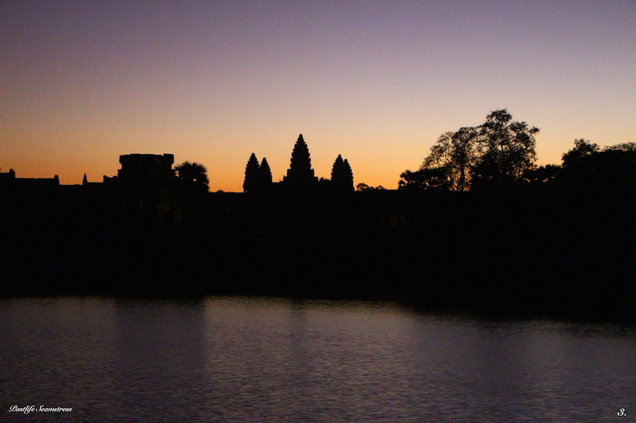 cambodia, siem reap, angkor wat, angkor wat sunrise, three day itinerary of angkor, best spot to watch sunrise at angkor wat, west gate vs east gate sunrise, things to dio in siem reap, sunrise siem reap, angkor war temple pass, angkor wat do's and don'ts, baton temple, which temples to see in cambodia, must see temples of siem reap